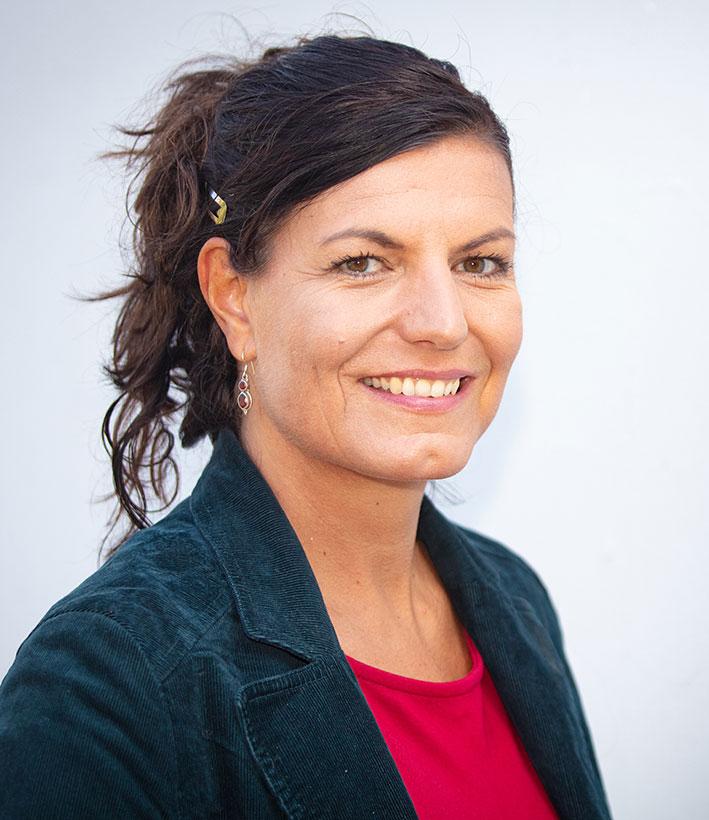 Prof'in Dr. Julia Roth, Bild der Person