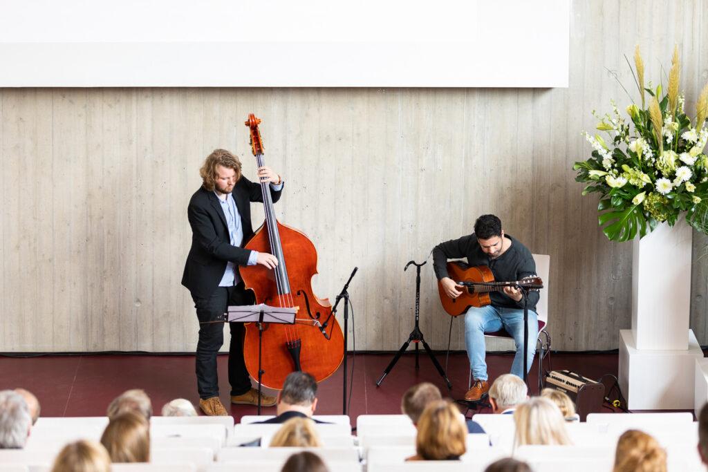 Das Saxophonduo Marius Strootmann und Jouyan Tarzaban der Hochschule für Musik Detmold sorgte für die musikalische Begleitung des Festaktes.
