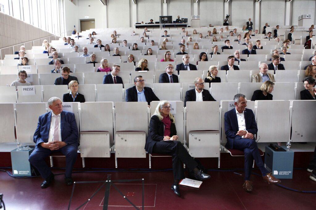 Im neuen Hörsaalgebäude fand der Festakt zur Eröffnung der Medizinischen Fakultät statt.